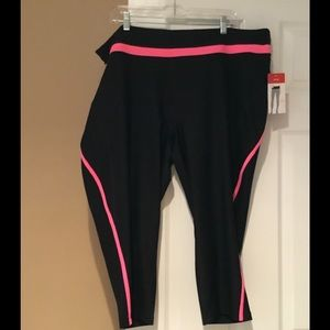 NWT Xersion Cropped workout pant 3X